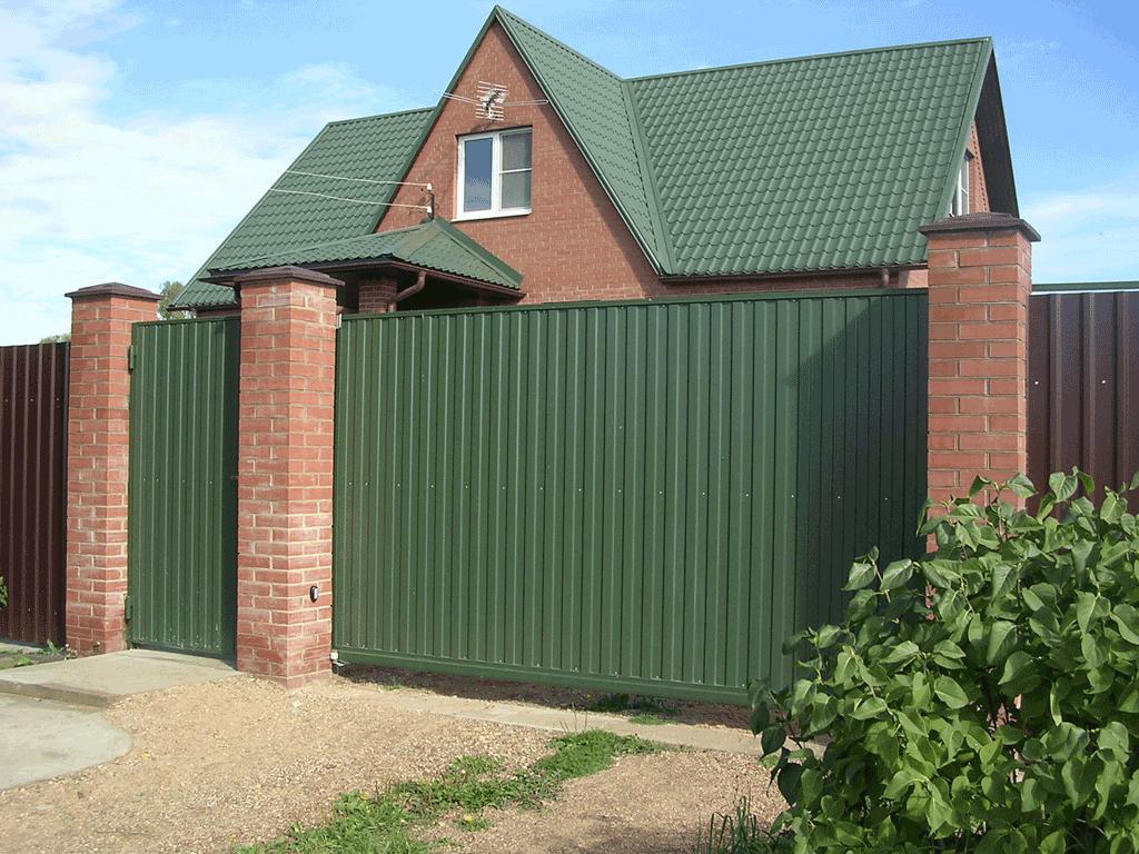 fence 1 - Як побудувати паркан з профнастилу своїми руками
