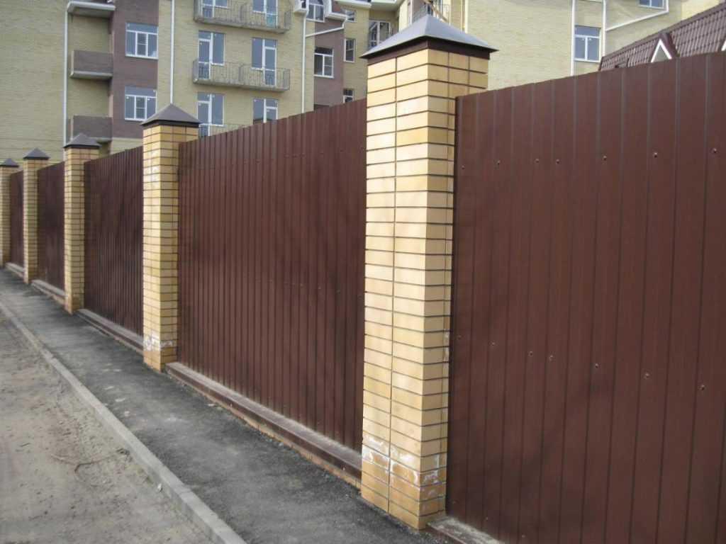 img 0041 1024x768 - Як побудувати паркан з профнастилу своїми руками