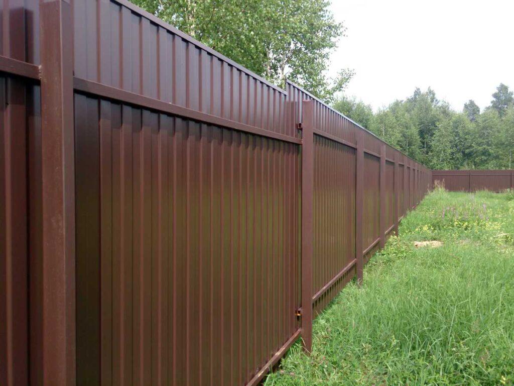 sabor prof 1024x768 - Як побудувати паркан з профнастилу своїми руками