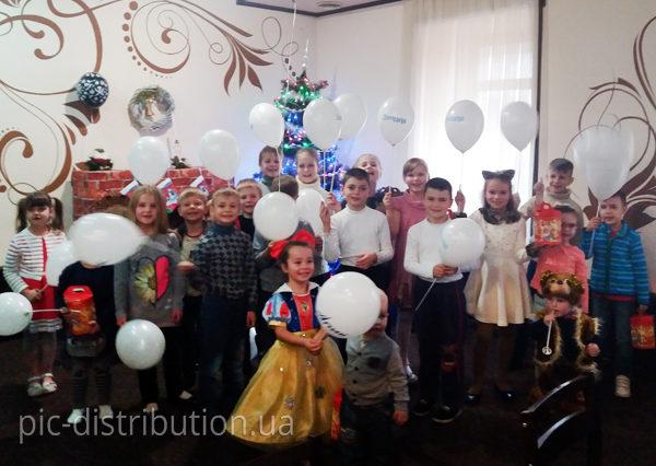 7 600x426 - Празднование Нового 2017 года с заботой: ПИК подарила веселый праздник сотрудникам и их детям