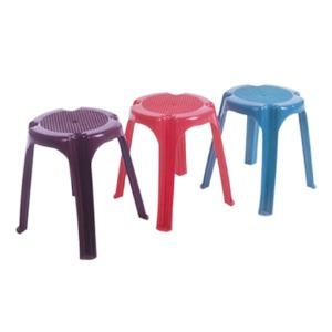 210 - Пластикові меблі