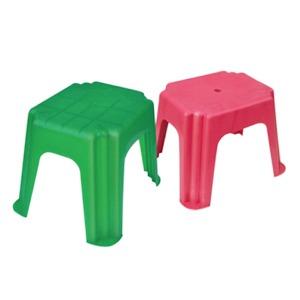 211 - Пластикові меблі