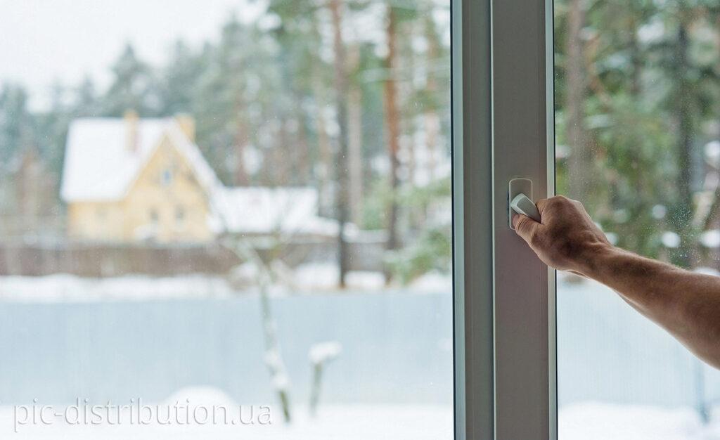 finestra pvc 1024x626 - Як підготувати свій дім до зими?
